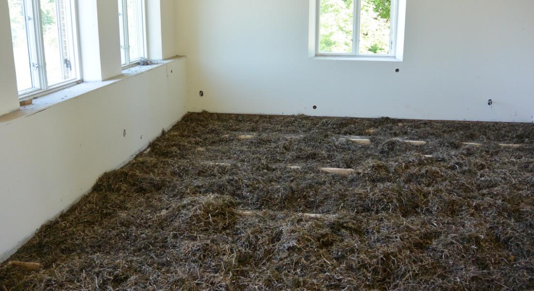 Isolering af tang / ålegræs i hus